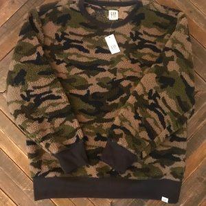 New boys gap Sherpa sweatshirt